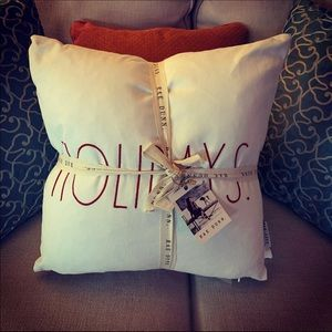 Raw Dunn Set of 2 Christmas Pillows NWT
